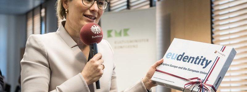 """Lernspiel """"EUdentity"""" der BBS Westerburg bei Übernahme des KMK-Vorsitzes durch Ministerin Hubig"""